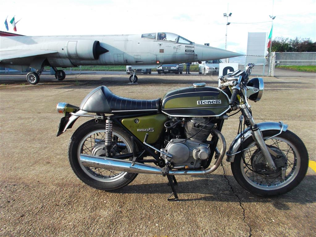 Category path 330 303 240 moreover Watch further Logisim 250 also Watch additionally 1977 Triumph Bonneville. on gearbox diagram